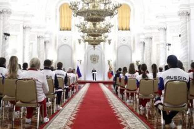 Путин встретился с олимпийцами перед их отъездом в Токио