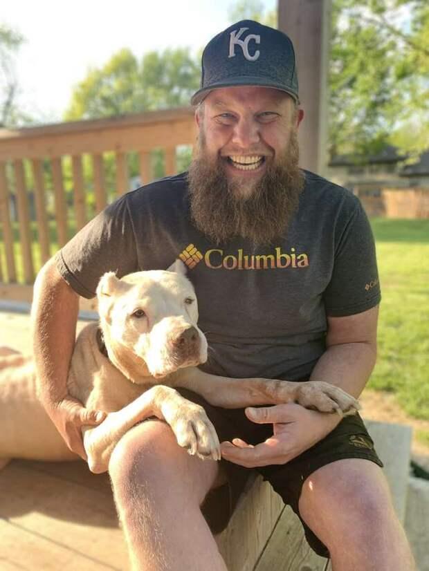 Почтальон заметил у дороги обездвиженного пса до и после, история, история спасения, помощь животным, собаки, спасение животных