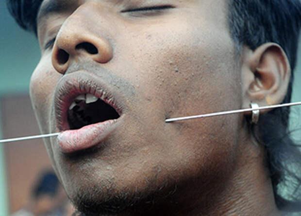 Чарак Пуджа: фестиваль боли в Индии