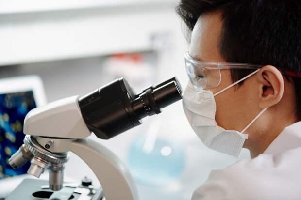Британские врачи выявили новый штамм коронавируса