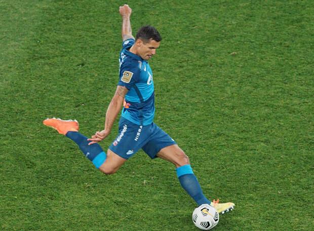 Ловрен сыграет с «Локомотивом», но в Уфу не поедет по медицинским показателям