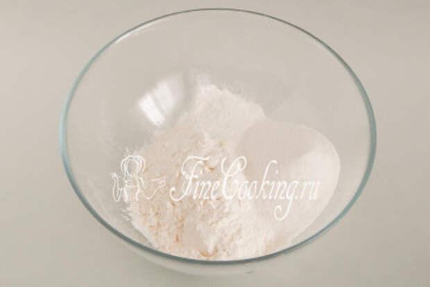 Следующим шагом важно подготовить сухую смесь для бисквитного теста