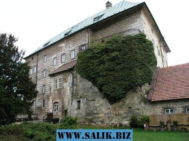 """Тайна """"бездонного"""" колодца в замке Гоуска. Чехия"""