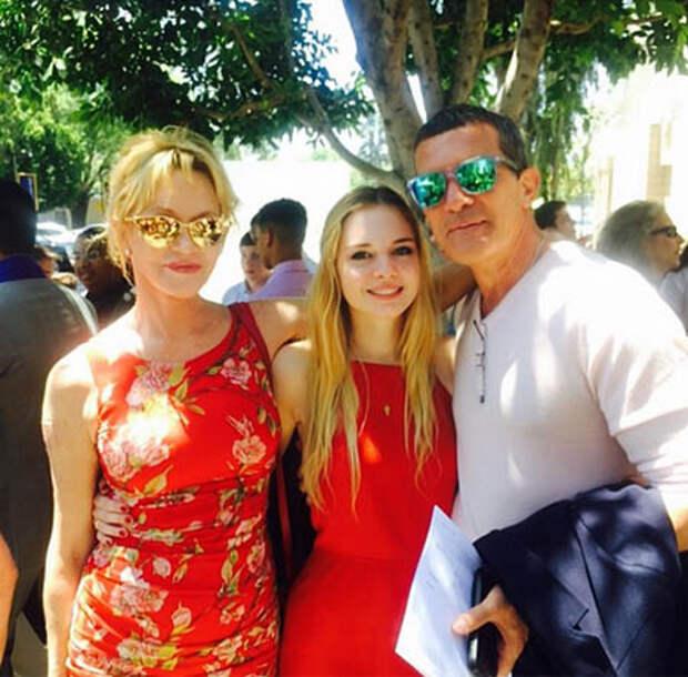 Антонио Бандерас и Мелани Гриффит с дочерью Стеллой