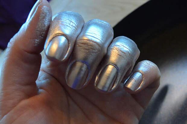 nails.inc-paintcan-5