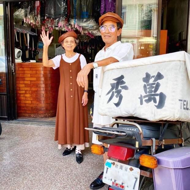 Необычный инстаграм тайваньских пенсионеров, которые устраивают фотосессии вчужой одежде