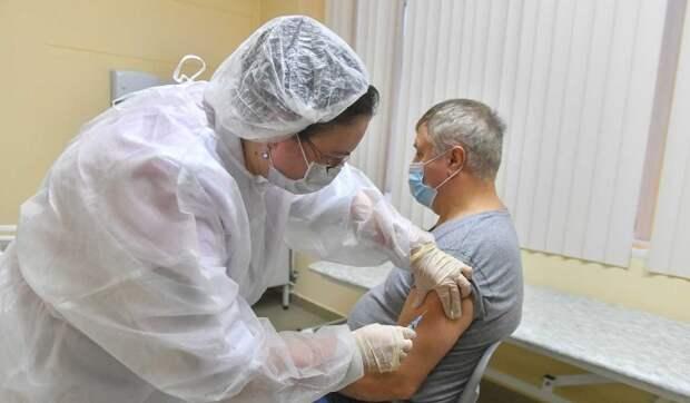 Пункты вакцинации от COVID-19 в Москве продолжат работать в праздники