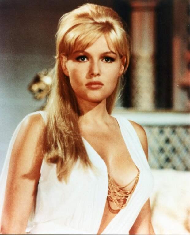 """Прекрасная блондинка из """"Лимонадного Джо"""" во всем своем великолепии."""