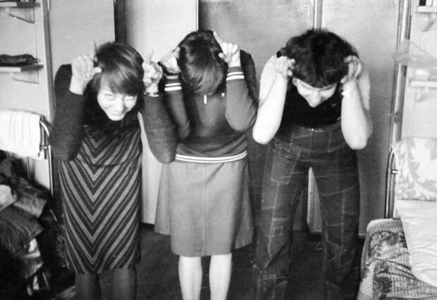 В общежитии однажды зародился КВН девушки, интересно, ностальгия, общежития ссср, студенчество, фото