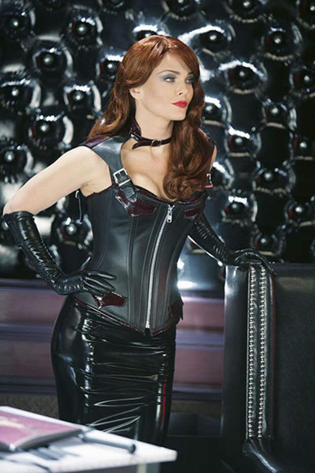 """Звезда фильмов """"Пила""""и сериала """"Беверли-Хиллз: 90210"""", роковая женщина и талантливая актриса Дина Мейер"""