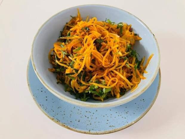 Фото к рецепту: Острый корейский салат из дайкона