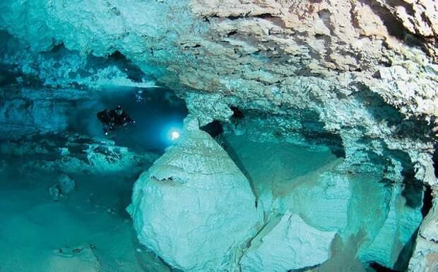 Ещё один кадр внутри пещеры