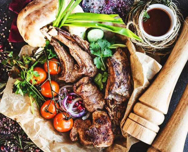 Где попробовать блюда региональной кухни в Москве?