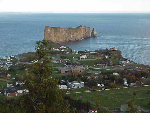Утес Персе Канада. Создано самой природой. Невероятные природные арки. Фото с сайта NewPix.ru