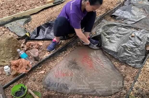 Идея для дачи: оригинальная садовая дорожка из «камней» своими руками