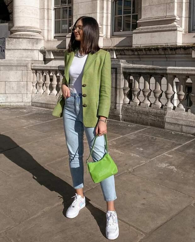 Как носить женский пиджак с джинсами — модные идеи