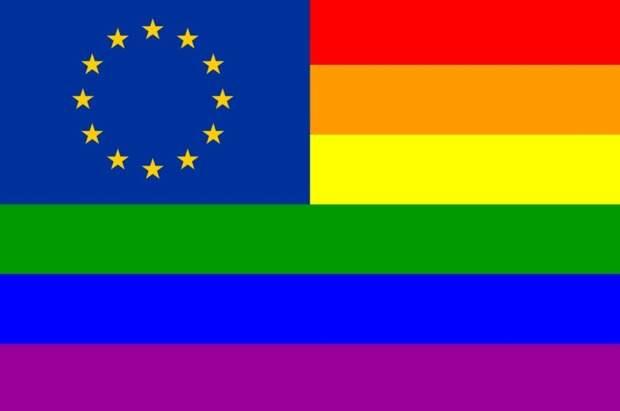 Евродепутаты предпочитают отдыхать на гей-оргиях