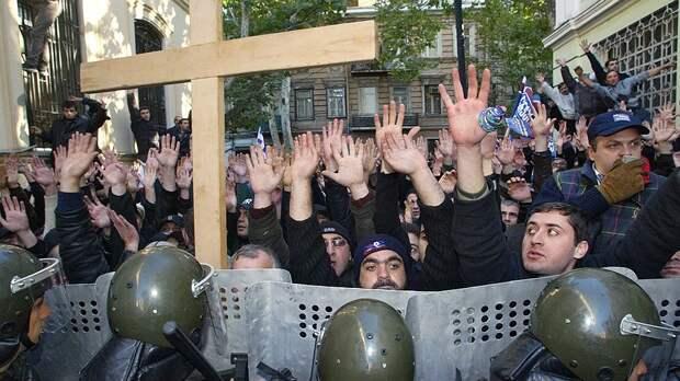 Участников мятежа 2003 года в Грузии в тюрьму!