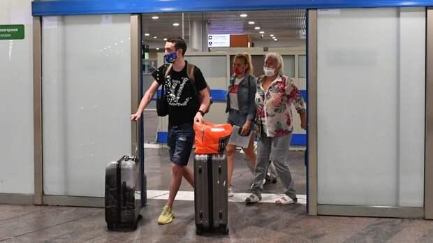 «Перевозчики готовы увеличить количество рейсов»: в Росавиации сформировали штаб по вывозу россиян из Турции