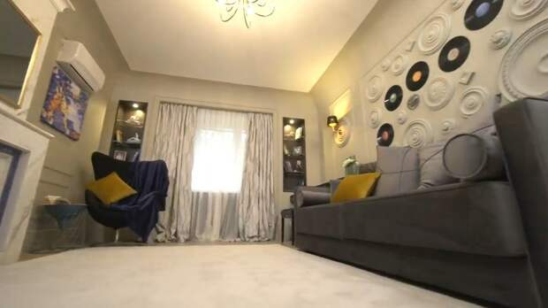 Посмотрим какой ремонт сделала в своей гостиной красавица- Полина Гагарина. Как было до ремонта и как стало после.