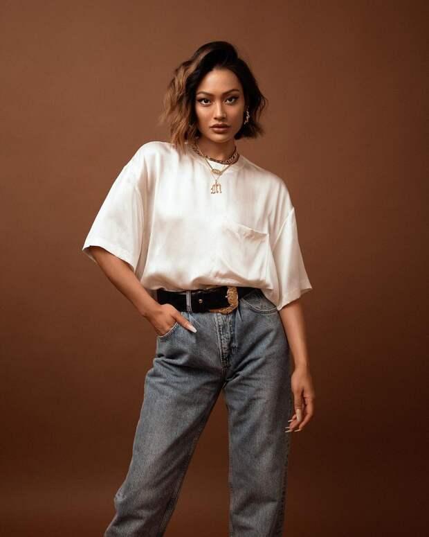 17 идей с чем носить футболки весной и выглядеть очень стильно