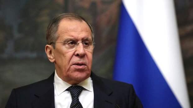 Лавров заявил, что ЕС жертвует своими интересами в угоду США