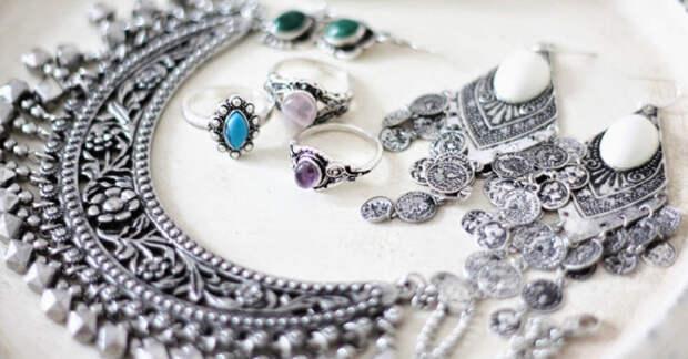 Почему некоторые серебряные украшения стоят дорого?