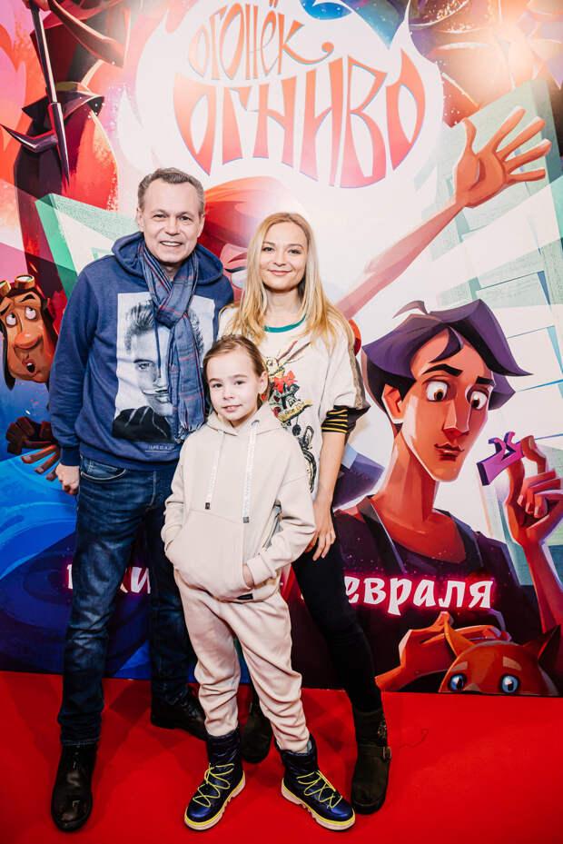 Зашли на «Огонёк»: Наталья Бочкарёва, Роман Маякин и Аскольд Запашный