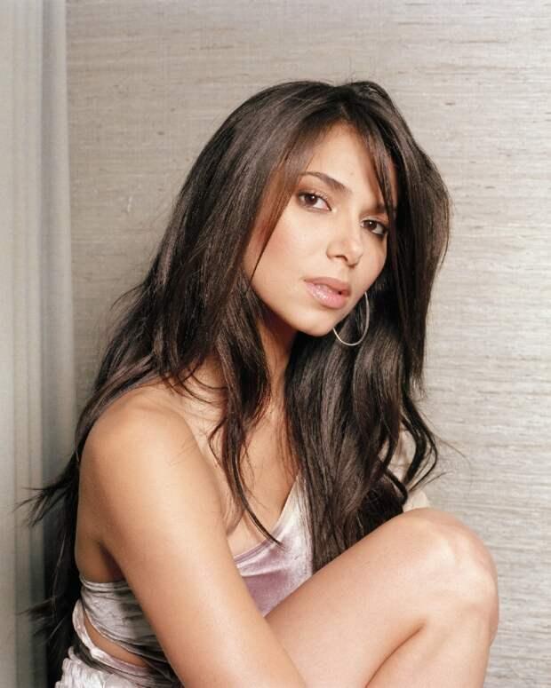 Самые прекрасные современные актрисы:Розалин Санчес