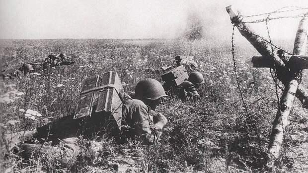 «Панфиловцы Курской битвы»: как 18 бойцов остановили танки Гитлера и пехоту