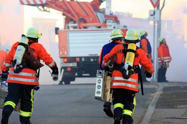 Четырех человек удалось спасти при пожаре на Беговой