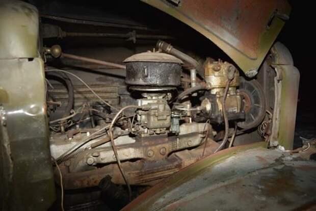 Старый ЗИЛ-157, который догнивал посреди поля, превратили в реактивный миномет «Катюша» Зил -157, зил, реставрация авто, самоделка