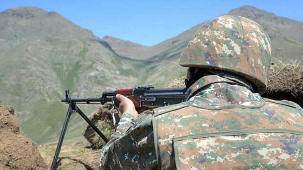 В Ереване заявили, что азербайджанские войска обстреляли армянские позиции на границе