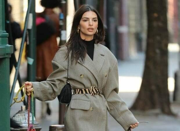 Подглядела стильные образы зимы 2021, которые носят модницы
