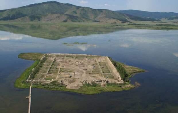 Установлен точный возраст уйгурской крепости Пор-Бажын в Туве