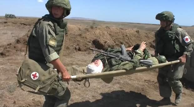 На полигоне «Опук» военные медики тренировались оказывать помощь пострадавшим