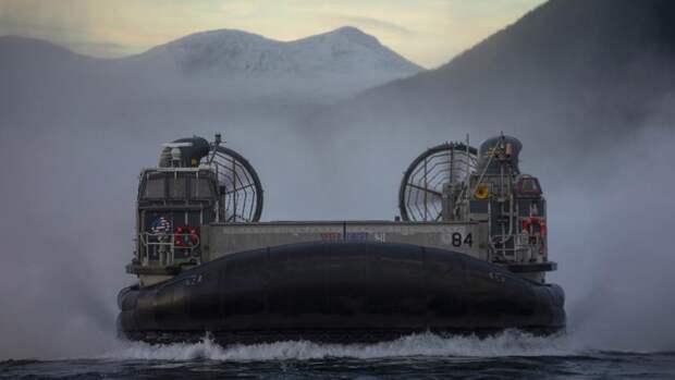 Десантный корабль ВМС США на воздушной подушке