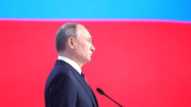 """""""Путин точно владеет Белым домом"""": Запад переполошило предупреждение России о ракетах"""