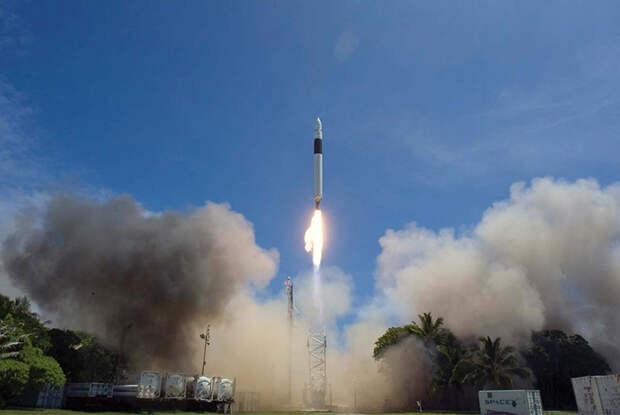 Пуск легкой ракеты Falcon 1