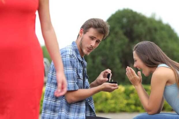 Автор ставшей мемом фотографии «Неверный парень»: «Популярность не принесла мне денег»