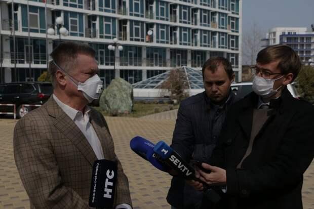 Лебедев пообещал изолировать клиентов своего отеля из-за коронавируса