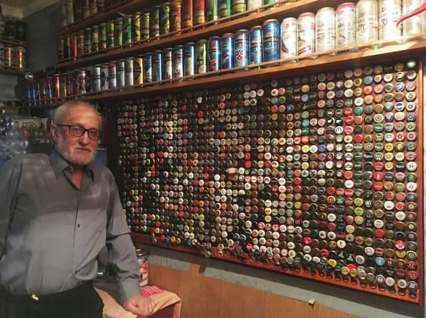 Житель Лосиноостровского собирает пивные крышечки