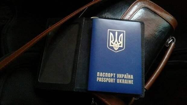 Все больше украинцев покидают территорию государства с каждым годом