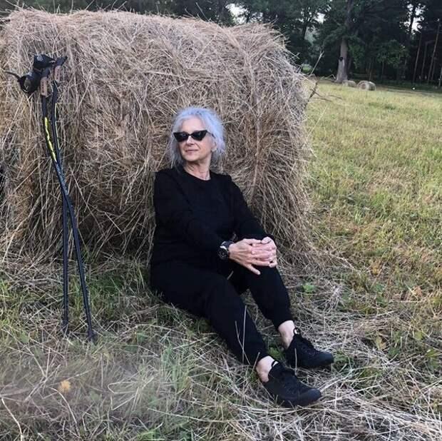 Как выглядит бабушка из Питера, которая вышла на пенсию и неожиданно для себя стала успешной моделью