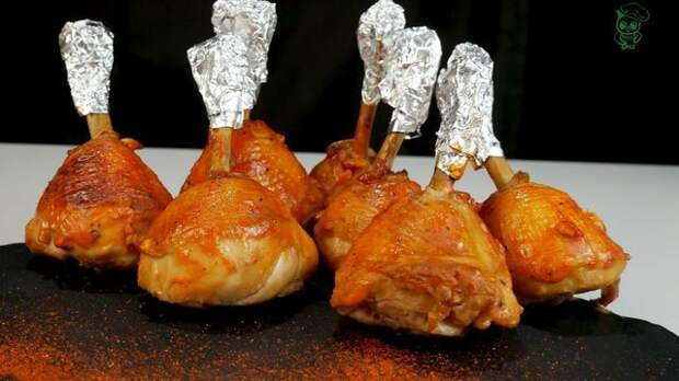 Фото к рецепту: Куриные чупа-чупсы