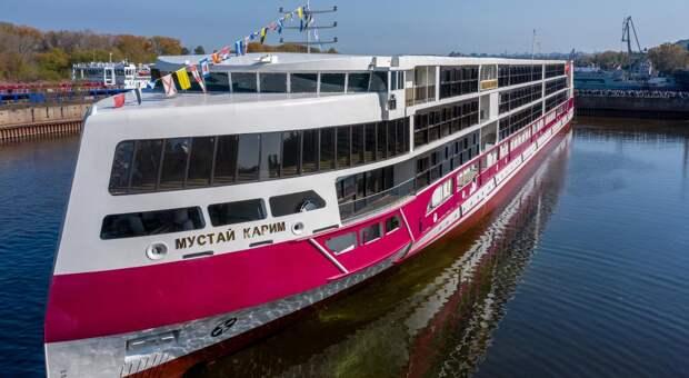 Президент России предложил использовать новейшее судно на круизном маршруте Сочи – Крым