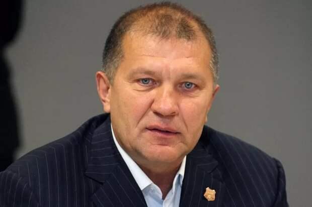 Президент «Урала» Иванов едко выступил против предложения гендиректора «Зенита» Медведева, говоря красивые слова о равенстве. Лукавство всё это
