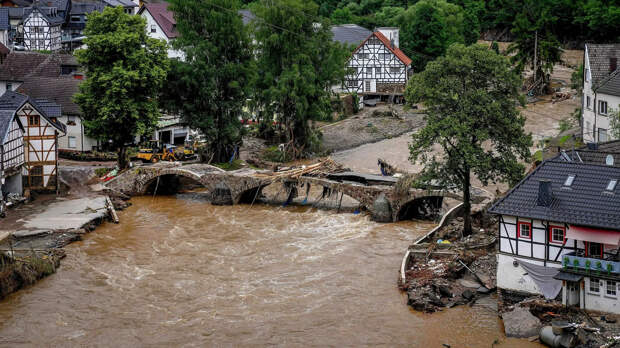 Число жертв наводнения на западе Германии достигло 133 человек