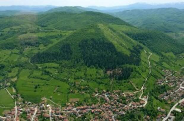 Боснийские пирамиды – бомбоубежища?