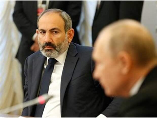 «Дачу в Ростове надо заслужить»: эксперт о том, что Пашинян отдаёт Карабах ради «свободы»